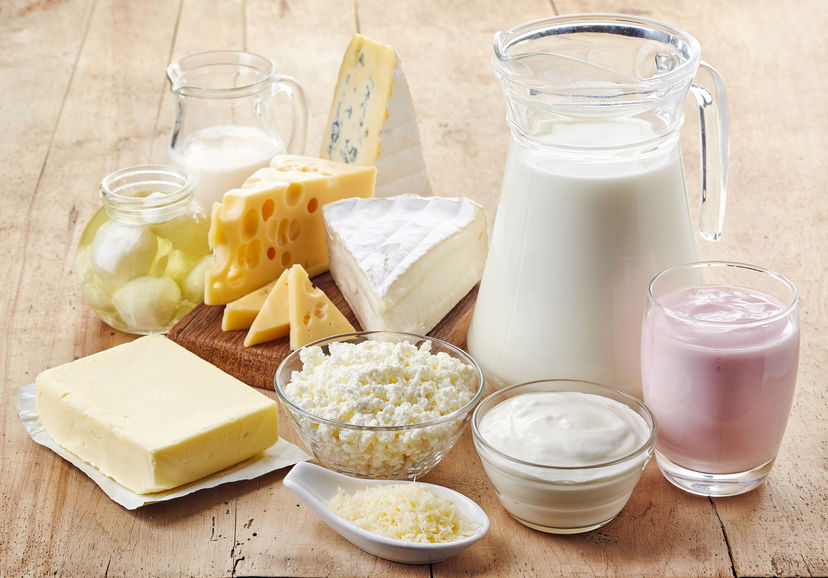 Vari prodotti lattiero-caseari freschi