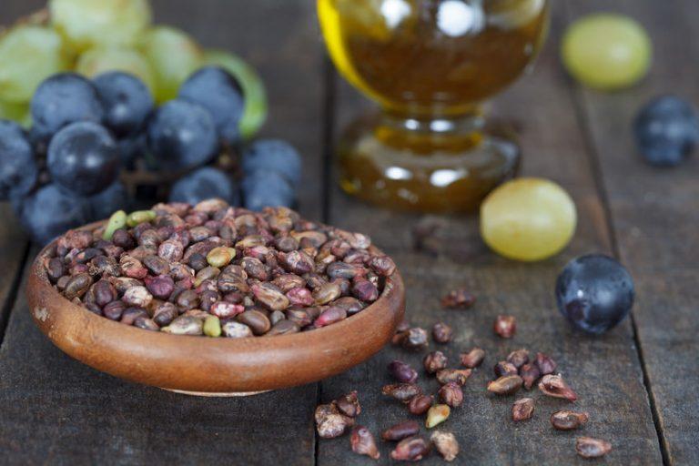 Chicchi e semi di uva