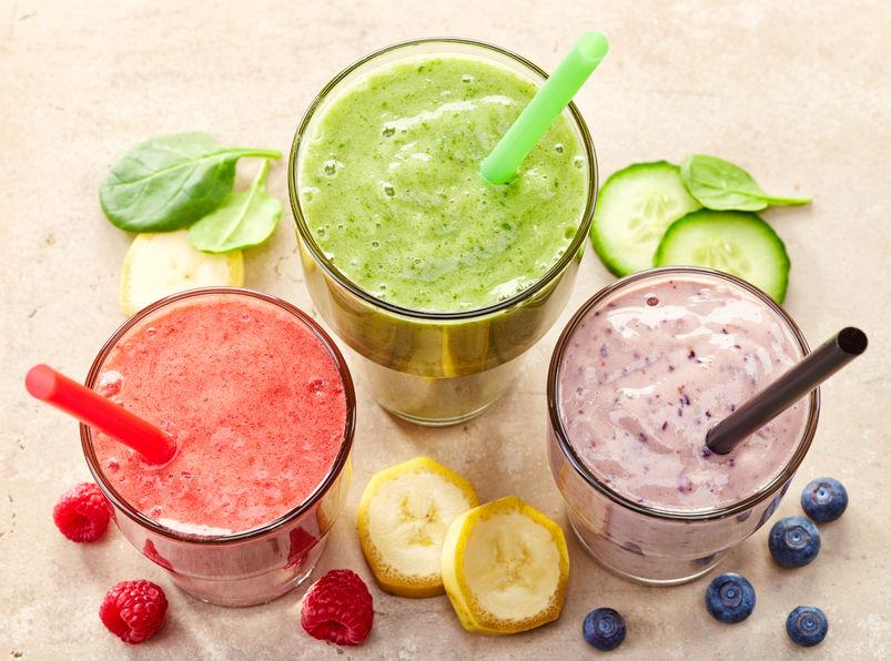 Tre frullati di frutta e verdura