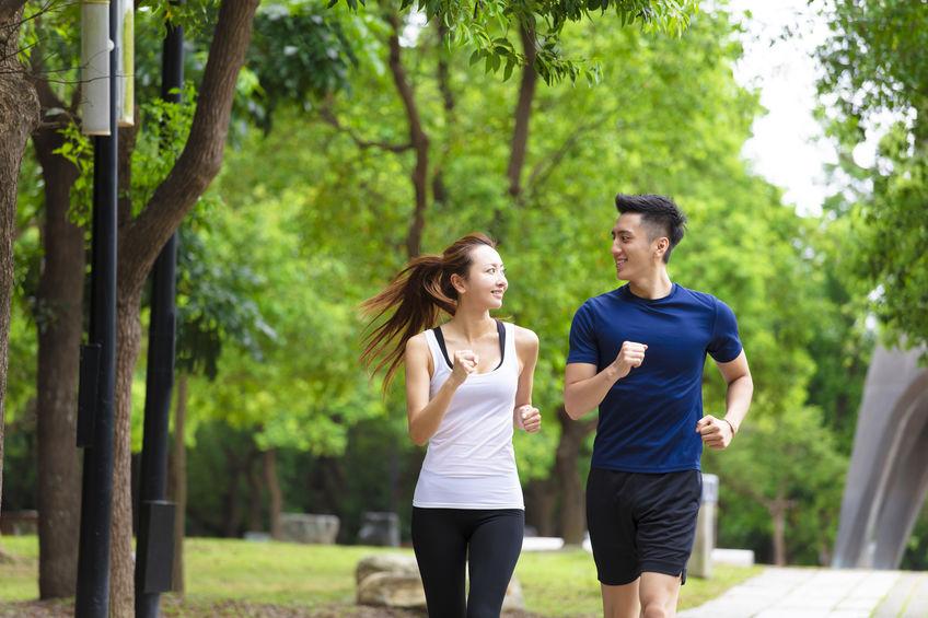 Due persone che corrono
