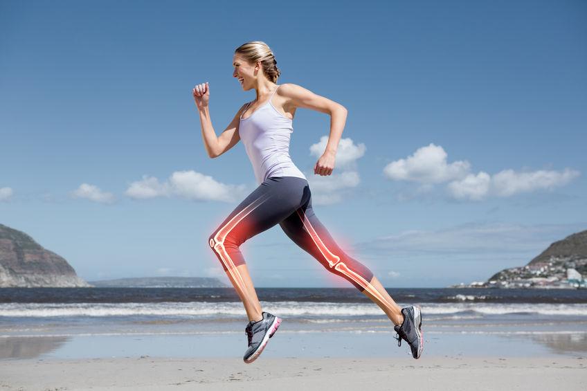 Donna che corre e ossa in evidenza