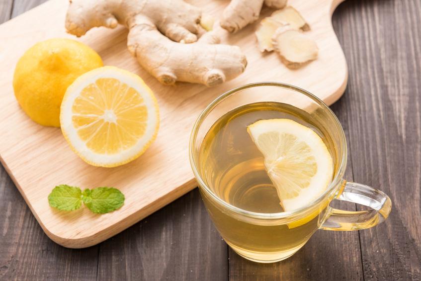 Tisana con zenzero e limone